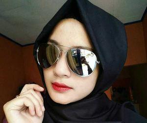beauty, islam, and model image