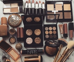 beauty, Brushes, and highlighter image
