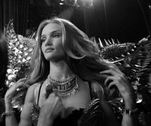 black and white, model, and rosie huntington-whiteley image