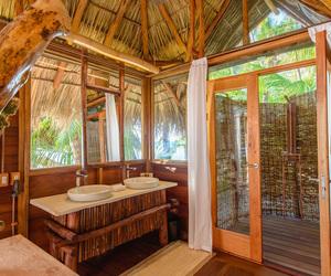 bathroom, private, and Island image