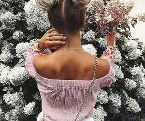 buns, updo, and space buns image