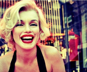 Marilyn Monroe, smile, and blonde image
