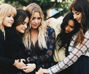 serie and pretty little liars image