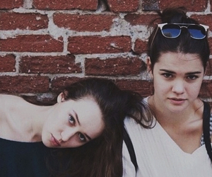 alycia debnam carey, lexa, and maia mitchell image