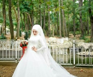 photography, white gown, and bridal look image