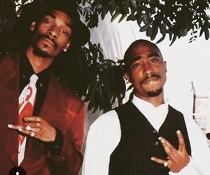 snoop dogg, 2pac, and tupac image