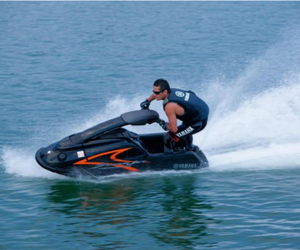 boat rentals, waverunner rentals, and rent a boat image
