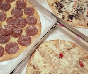 pizza and foodtrip image