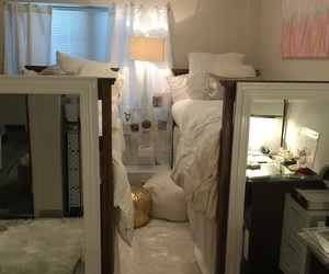college, interior, and bedding image