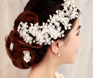 hairstyle, jewelry, and tbdress reviews image