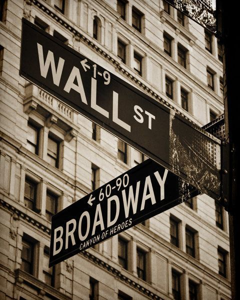 new york and street image
