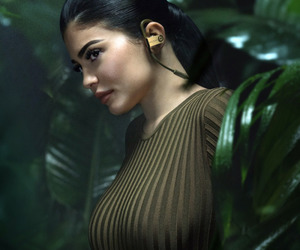kylie jenner and model image