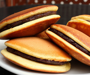 food, japan, and chocolate image