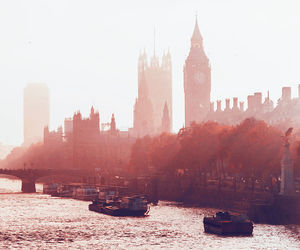 london and autumn image