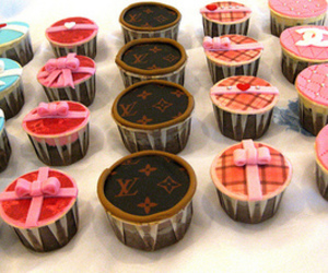 cupcake, chanel, and Louis Vuitton image