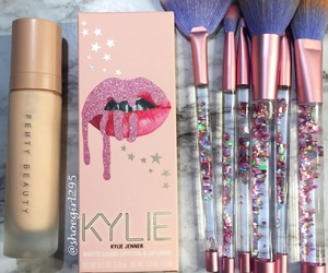 kylie, Brushes, and fashion image