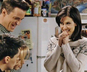 chandler bing, courtney cox, and Matthew Perry image