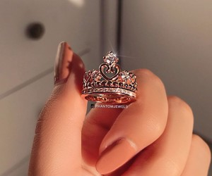 crown, girls, and nails image