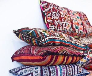 pillow and decor image