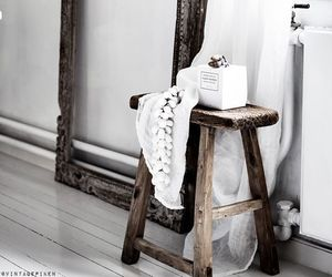 white and wood image