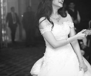 بُنَاتّ and عروس image