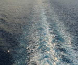 blue, cruise, and infinity image