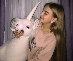 unicorn, girl, and tumblr image