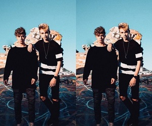 corbyn besson, why dont we, and jack avery image