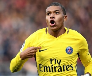 psg and mbappe image
