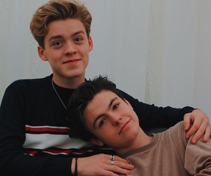 blake richardson, reece bibby, and new hope club image