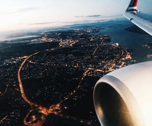 plane and view image