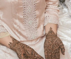 henna, oriental, and lady image