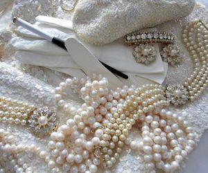 aesthetic, vintage, and pearls image