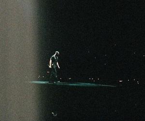 Drake, tour, and champagne papi image