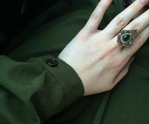 green and ring image