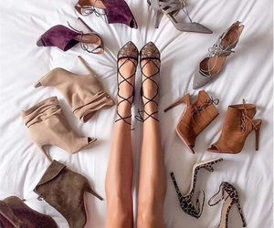 chic, fashion, and leggs image