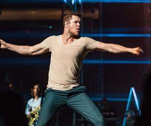 show, imagine dragons, and dan reynolds image