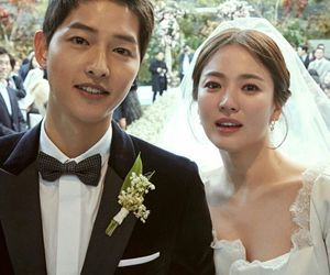 wedding, songsongcouple, and song hye kyo image