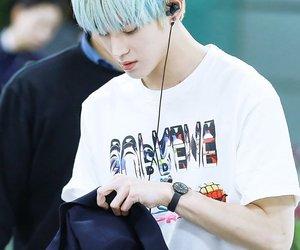 airport, blue hair, and taeyong image
