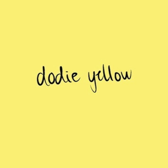 yellow, youtube, and dodie clark image