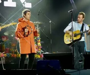 Chris Martin, coldplay, and liam gallagher image