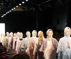 girls and hijab image