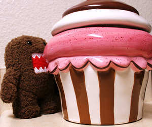 cupcake and domo image