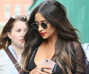 candids, shaymitchell, and plledit image