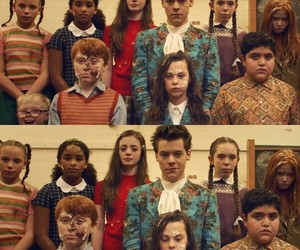 Harry Styles and kiwi video image