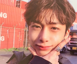 monsta x, hyungwon, and icon image