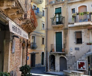 sicily and travel image