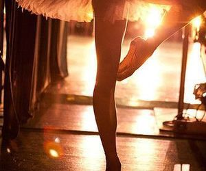 ballet, ♡, and light image