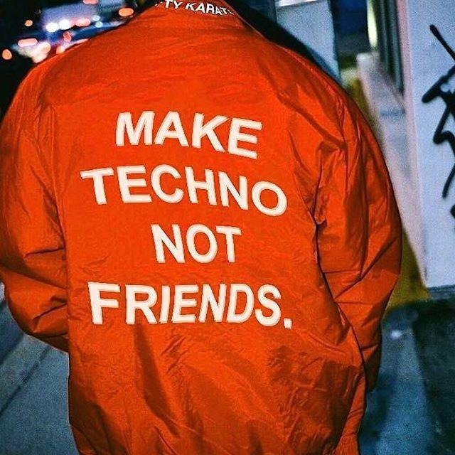 😎 #berlin #weekend #saturdays #wochenende #technocity