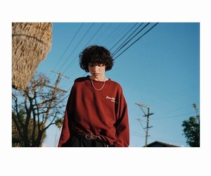 boy, finnwolfhard, and red image